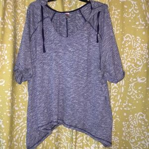 Livi Active short sleeved hooded top size 26/28